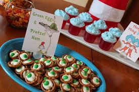 dr seuss birthday ideas 13 simple dr seuss crafts and food ideas for kids i dig
