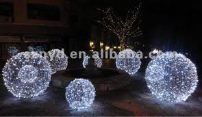 large outdoor decorations decore