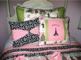 cute eiffel tower bedding ideas