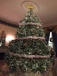 the real xmas tree vs fake xmas tree debate which one is better