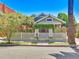 charming bungalow 1 2 mile to beach homeaway long beach