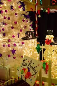 visit christmas arts and crafts market at the beautiful lakehouse
