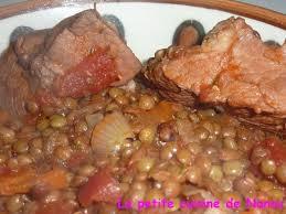 cuisiner sauté de porc recette de sauté de porc aux lentilles vertes du puy la recette facile
