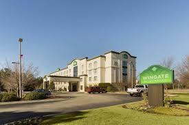 Comfort Inn Near Ft Bragg Fayetteville Nc Wingate By Wyndham Fayetteville Fort Bragg Fayetteville Hotels