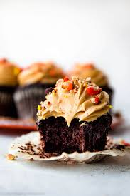 dark chocolate cupcakes with creamy peanut butter frosting
