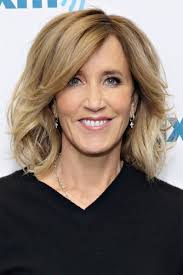 information on shoulder length hair for older women 13 felicity huffman hairstyles long medium bob haircuts page