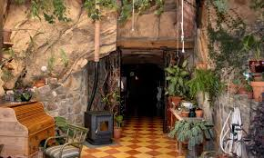 tiny houses arizona the chulo canyon cave house in arizona house crazy