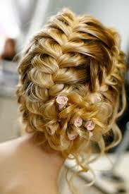 Hochsteckfrisurenen Geflochten Hochzeit by Brautfrisuren Mit Blumen 22 Ideen Für Ein Perfektes Hochzeitsgefühl
