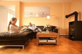 wohnzimmer farbgestaltung wohnzimmer wohnideen mit deko in kräftigen farben uncategorized