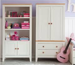 armoire chambre d enfant organisation armoire pour chambre de bebe