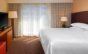 2 Bedroom Suites In Tampa Florida Suites In Tampa Deluxe Suite Four Points By Sheraton Tampa