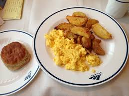 how to score a great meal on a train amtrak blog amtrak breakfast