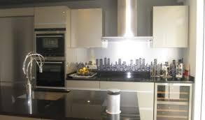 cuisine beige laqué cuisine beige et blanc cuisine gris clair et blanc canap dangle