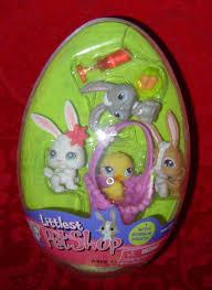 littlest pet shop easter eggs littlest pet shop easter egg 3 bunny rabbits and 1 in basket