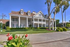 where is the bachelor mansion gone with the wind auction 2011 esquire bachelor pad still