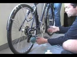 How To Clean And Oil by How To Clean And Lube A Bike Chain Youtube