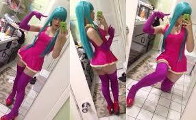 Me Me Me Me - me me me cosplay
