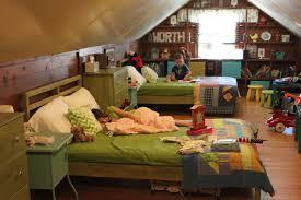 photos hgtv daybed in coastal attic bedroom loversiq