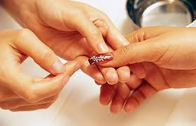 artificial nails dermatologists u0027 tips for reducing nail damage
