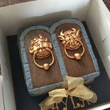 Unique Door Knockers by Labyrinth Door Knocker Cake Awesome Cakes U0026 Toppers Pinterest