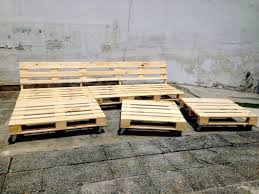 Day Bed Sofa Bed by Diy Pallet Sofa Daybed 99 Pallets