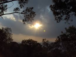 file sun shining through the clouds in murree jpg wikimedia commons