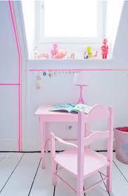 bureau bebe fille retour à l école un petit bureau vintage pour les enfants