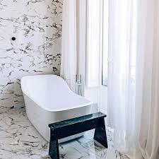 salle de bain style romain une petite salle de bain design c u0027est possible marie claire