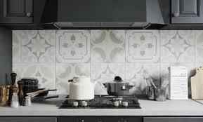 papier peint cuisine lessivable papier peint cuisine moderne excellent papier peint en arabesque