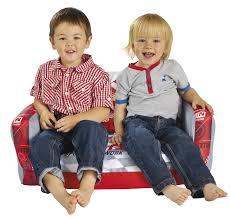 canape enfant cars fauteuil pour enfant des fauteuils pour filles et garçons