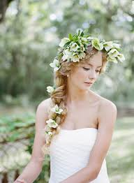 Flower Decorations For Hair Beautiful Hellebore Wedding Flower Ideas For Winter Brides The