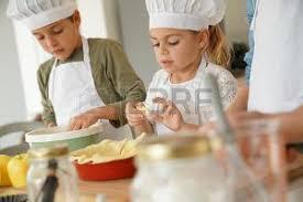 cours cuisine enfant enfant cuisine banque d images vecteurs et illustrations libres de