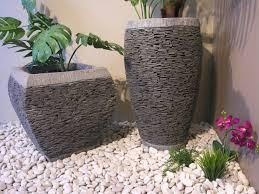 fontaine en pierre naturelle superb bac en pierre pour jardin 8 conçus pour planter vos