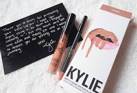 Resenha Kylie Matte Liquid Lipstick And Lip Liner Nas - makeup product review kylie jenner s exposed lip kit american