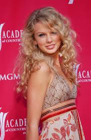 taylor swift u0027s hair hits from curly haired country star to global