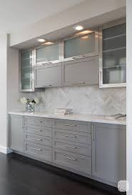 what color backsplash with gray cabinets 25 ways to style grey kitchen cabinets