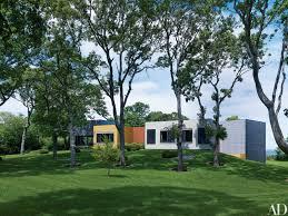 interior designer muriel brandolini u0027s vibrant hamptons beach house