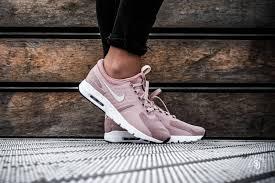 Nike Womens nike s air max zero particle pink light bone gratis
