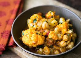 cuisine curry cauliflower chickpea curry recipe simplyrecipes com