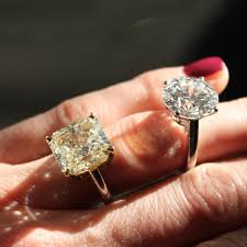 de beers engagement rings a diamond education with de beers this 10 35 carat d colour