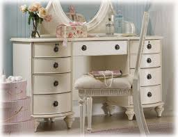 Youth Vanity Table 31 Best Dream Vanities Images On Pinterest Dressing Tables Make
