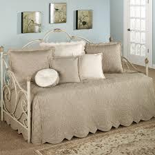 Bedroom Bedding Ideas Bedroom Awesome Daybed Sets For Modern Bedroom Ideas Design