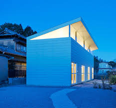 canap駸 d angle but syap s house in yokkaichi topped with a shed roof in suburban