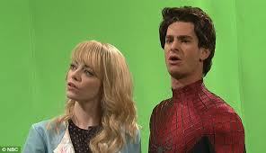 andrew garfield and emma stone get kissing lesson from chris