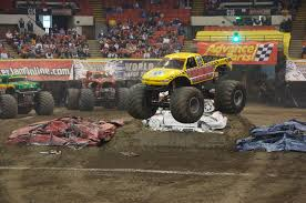 2015 monster jam trucks file monster jam at mellon arena 2 jpg wikimedia commons