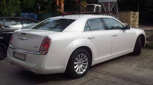chrysler car white file white chrysler 300 lx ii rr jpg wikimedia commons