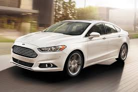 difference between ford fusion se and sel 2015 ford taurus vs 2015 ford fusion what s the difference