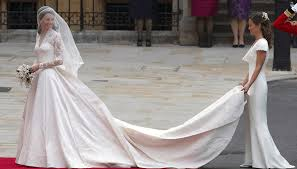kate middleton wedding dress this designer is suing mcqueen for kate middleton s