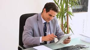 bureau homme d affaire homme d affaires sérieux hd stock 127 660 079