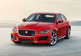 nissan pathfinder xe vs le jaguar xe saloon 2015 features equipment and accessories